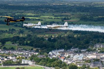 Huge crowds turn out for Birr Air Display